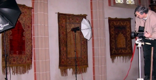 Photographing rugs in the Black Church, Brasov