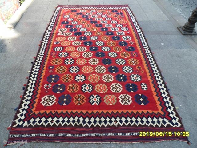 Shiraz Quashgai Kilim size: 290x165 cm.
