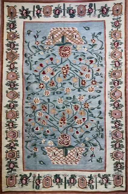 Bessarabian Kelim (Ukraine) superb example late 19 c in excellent condition all wool and natural dyes size 2.74 x 1.8 m