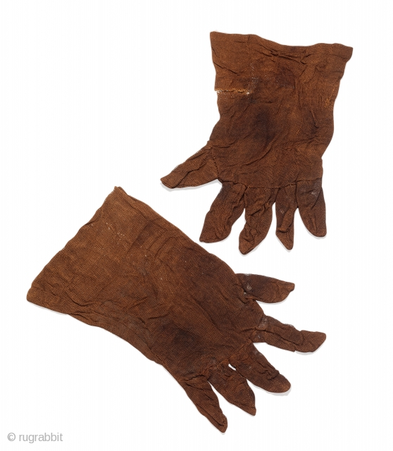 Pair of gloves, Qara Khitay / Western Liao, Central Asia, Semirechye, late 12th century