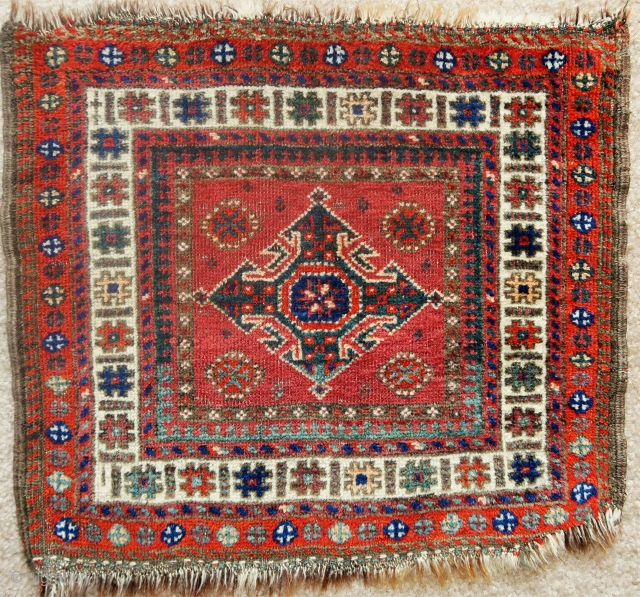 Sistan Baluch chanteh with Turkmen references. Great green brindled warp using wool and darker animal hair.