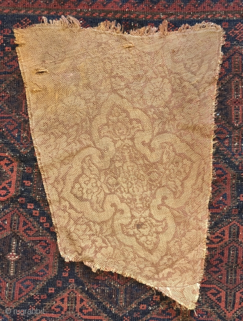 Mongol era silk lampas weave textile fragment. 13th century. Could have been woven anywhere from Il-Khanid Iran to Yuan China but likely Central Asia.
