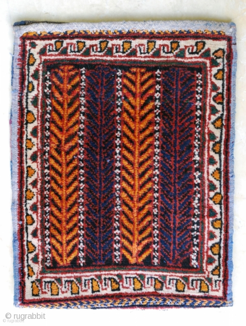 Small Afshar vanity -or spindle- bag (Dehaj area), ca. 1930. Unsewn to show both sides, 30 x 39 cm. Excellent condition.