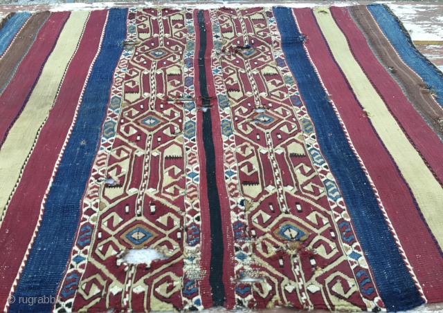 Lovely Eastern Anatolia open cuval/storage bag. Cm 110x140. 100 to 120 years old. Great colors. Central sumack part has got a nice graphics. Despite some condition issues still very much enjoyable. Got  ...