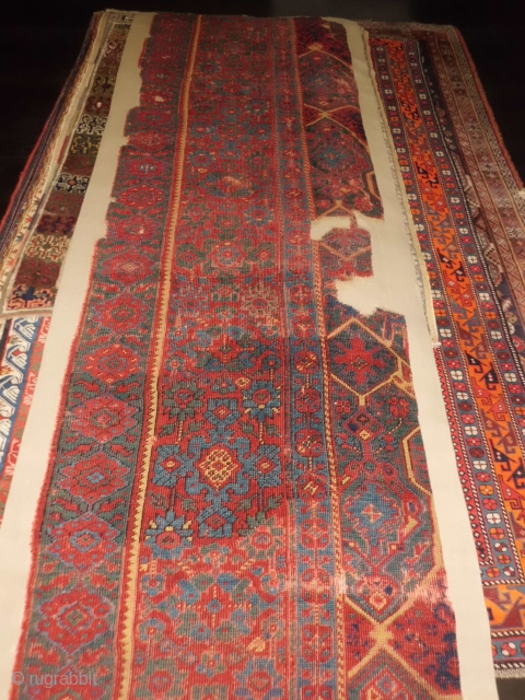 Anatolian Ushak Medaillon border fragment mounted on cotton.XVIII th.century