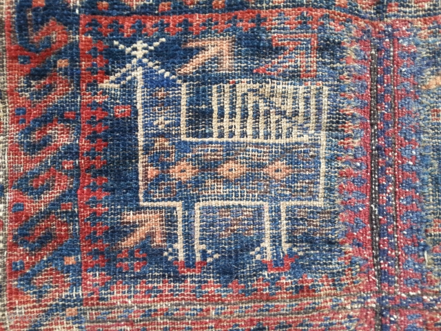Very fine soft 'bird' Baluch. Very archaic feel,wonderful back,a little fuchsine and some quite good repair to centre section. Wonderful !