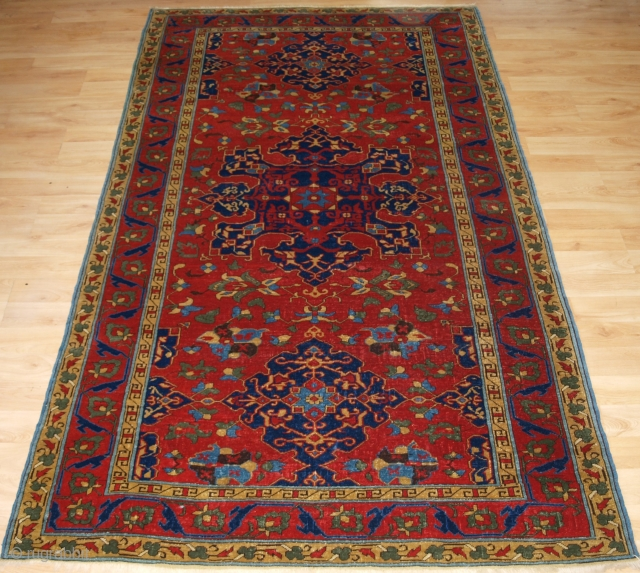 Antique Turkish or Eastern European reproduction of a 17th century Star Ushak rug. www.knightsantiques.co.uk 