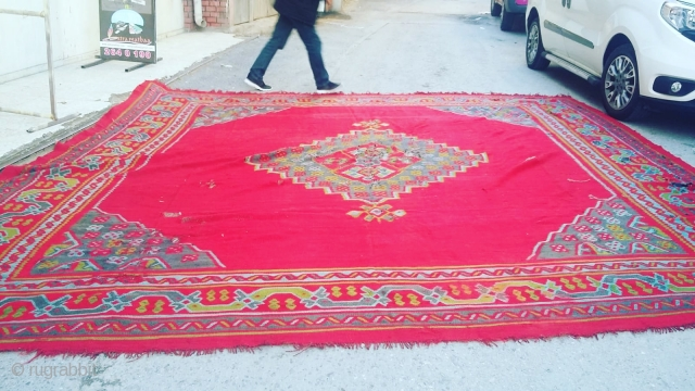 Size : 410 x 420 (cm), West anatolia (ushak), ask for detailed pictures !