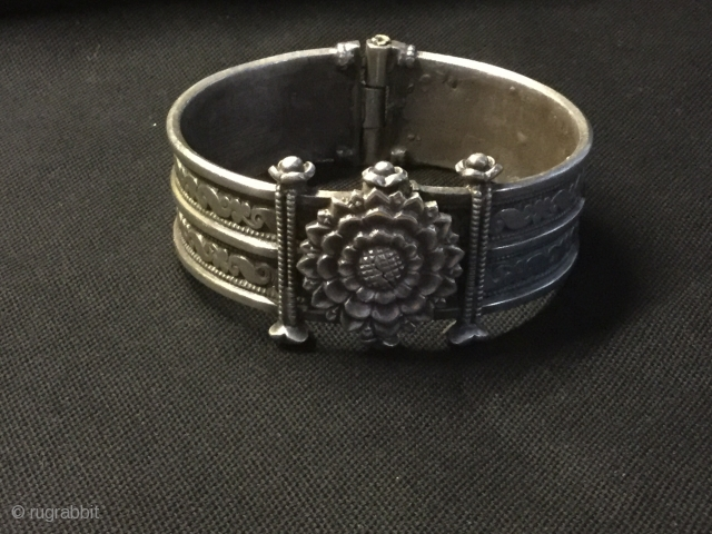 Silver,two parts hinged bracelet from Orissa,120g
