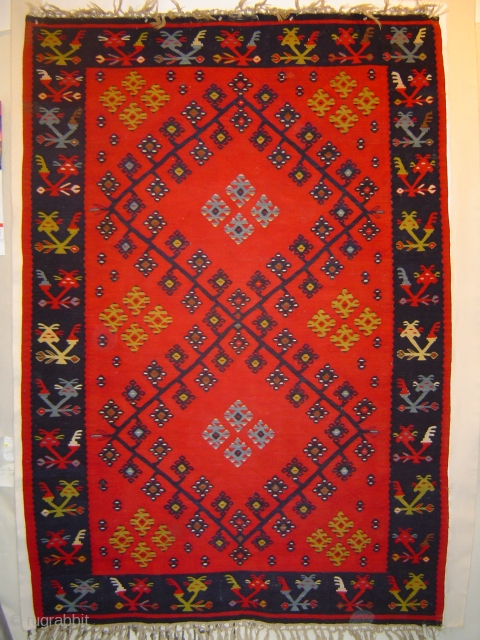 Fine antique Pirot kelim in excellent condition. 146 x 211 cm. Circa 1900. Straight out of Matisse's Red Room.