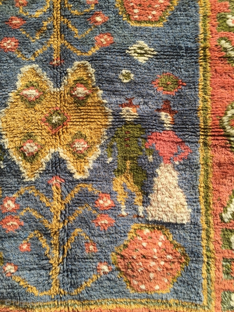 Finnish ryijy rug early 20th. c. Perhaps sold by the Finnish Handicraft, or at least the yarn. They usually has cotton warps but this one has linen warps. It´s a copy of  ...