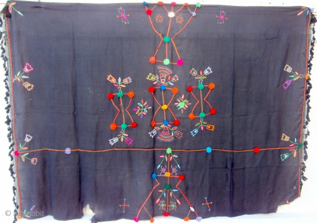 MOROCCAN BERBER HIGH ATLAS SHAWL which is an old piece and originates from Zagora in the eastern corner of the High Atlas close to the Algerian border. The shawl is used to  ...