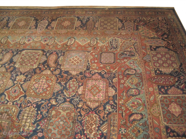 Yazd Persian, knotted circa in 1930, 310 x 423 cm, 13'10'' x 10'2'' feet. Carpet ID: IMB-1