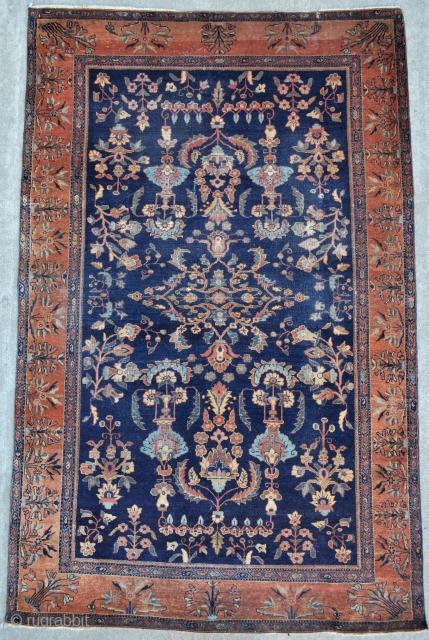 Antique Sarouk rug - 4'2 x 6'6 ft. - 127 x 197 cm.