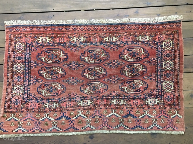 "Large 25 gul Wall Bag Turkman Kizil Ayak Chuval. All organic colors including a rose red madder, yellow and blues. Measures 4'8""X 2'10""/142 X 86cm. Codition good with low to medium pile  ..."