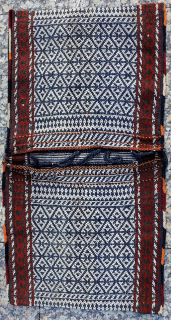 Fine woven Qashqai Darreshuri saddlebags with the warp-float patterning technique. Naturaldyes. In good condition including the closing loops and the side cords. 102x52 cms (AT2836).