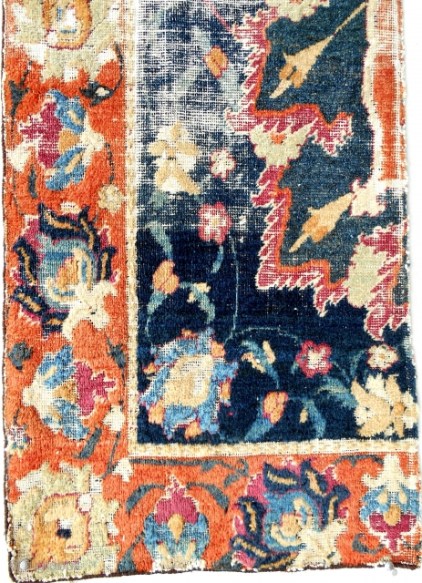 Large Safavid rug fragment (Detail). Museum quality.