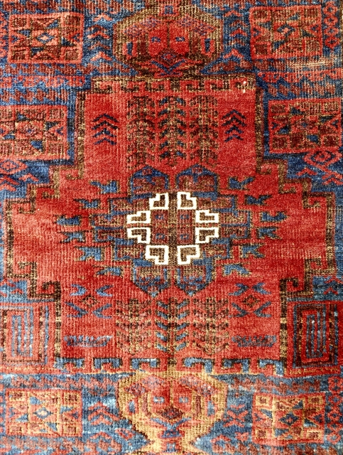 Small Timuri Baluch rug (detail) with very lustrus wool. Circa 1870.