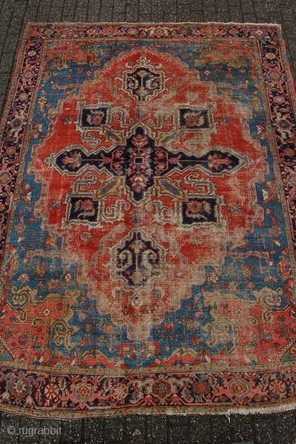 """Antique Serapi design Heriz 292 x 220 cm (9ft 5"""" x 7ft 4"""") 3rd quarter 19th century. All natural dyestuffs. Condition as found and according to age, evenly low pile (areas of  ..."""