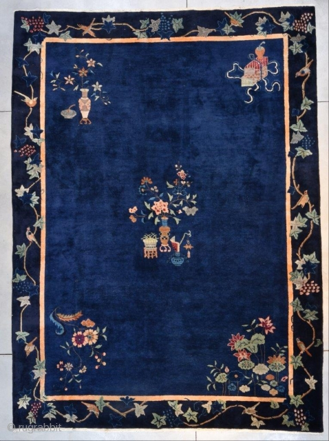"This circa 1925 Art Deco Chinese Oriental Rug #7671 measures 10'2"" X 13'10"" (311 x 425 cm). It is a lovely antique Chinese rug with a sparse motif. The upper left corner  ..."
