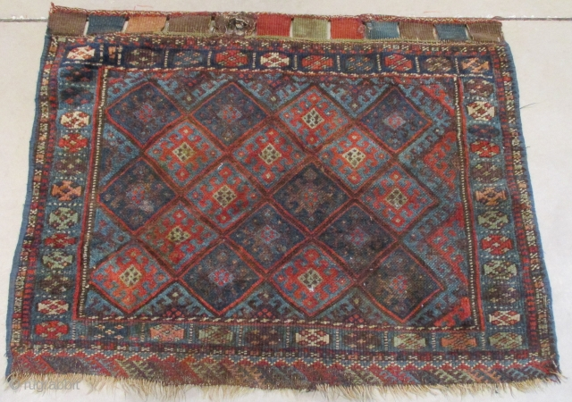"""This circa 1870 Jaf Kurd #8015 measures 2'6"""" X 3'2"""". It is a bag face with coloration in two or three shades of blue, ivory, pale green, pale blue green and a  ..."""