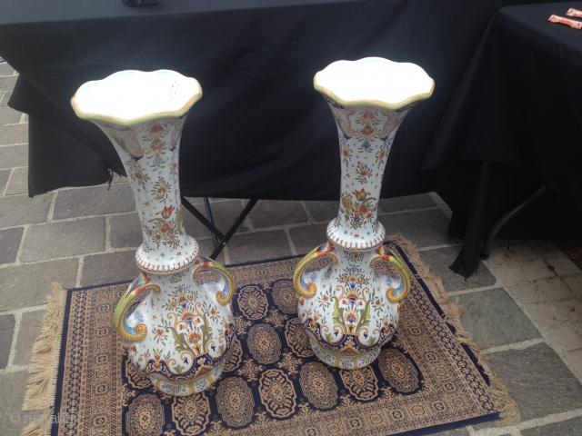 2 french vases