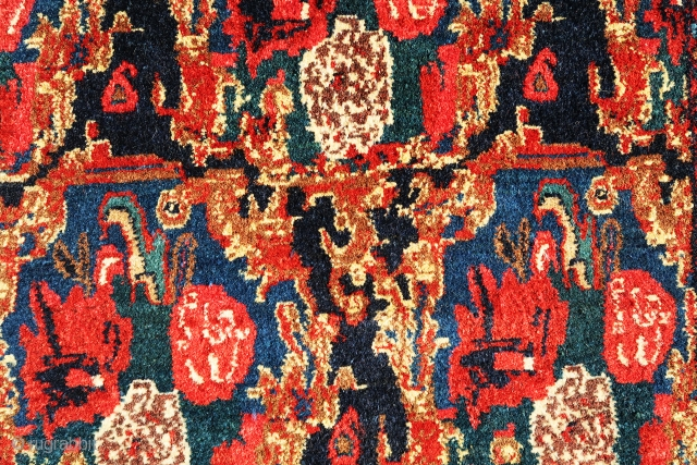 """Very fine and antioque 1920 Senneh Kurd Gol Ferang small rug. Ful pile, great natural colors, size is 3'-5""""x2'-2"""""""