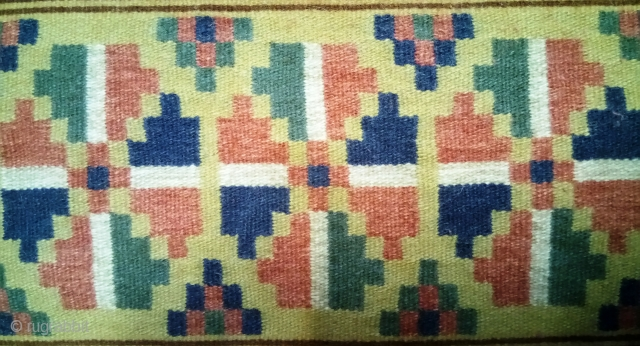 Antique Swedish kilim(Rolakan technique), no: 354, size: 69*47cm.