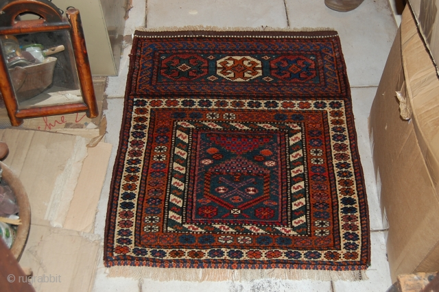 A BEAUTIFUL SAR MAZI BALOUCH IN A VERY GREAT CONDITION. THE SIZE IS 69 X 85 CM. FOR MORE INFORMATIONS PLEASE CONTACT ME