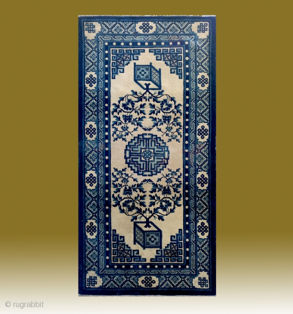 "No.Lu15 * Chinese Antique ""Vase Design"" Rug,Size: 93x183cm(37""x72"").Origin: Baotou.Shape: Rectangle.Background Color:Off-whites,lvory . Shou(longlife) medallion, field with two vases of peony flowers. Three borders: Pearl, Zig-zag, Eternal knots. Cotton warp and weft."