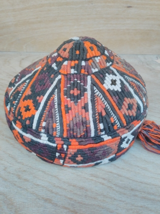Turkmen hat, silk embroidery good condition