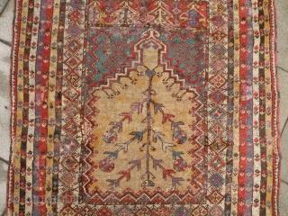 Antique anatolian mucur prayer rug, 131x160 cm