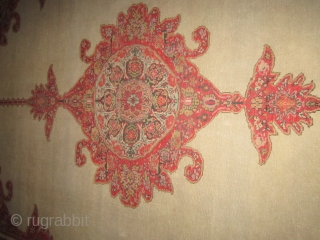 """classic antique(SOLD SOLD THANKS) persian senneh or malayer measuring 4' 7"""" x 6' 8"""" great condition not worn one 2"""" slit as shown ends needs overcasting dusty no animal or smoke very  ..."""