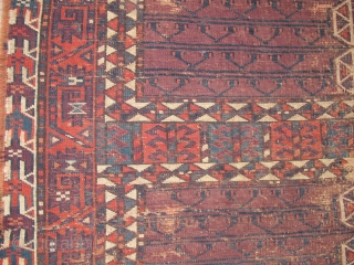 Turkmen ensi, not quite Yomut, not quite Chodor