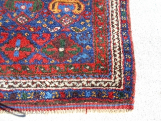 25.5X28.5inch  Semi Antique Kurd Bag Face. Nice thick pile of really great wool. Nice saturated colors. Asking $265 US Only PayPal and ship to USA lower 48