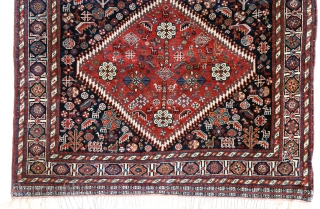 Antique Qashqaï rug, circa 1880. 134 x 232 cm. Professionally rewoven fringes, one repair in central medallion (picture 9), otherwise full fine pile allover (quite rare nowadays). Pleasant to touch and watch.