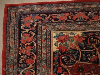 Antique Persian Bijar carpet of small medallion design with excellent natural dyed colours throughout. www.knightsantiques.co.uk Size: 12ft 6in x 8ft 10in (382 x 270cm). 