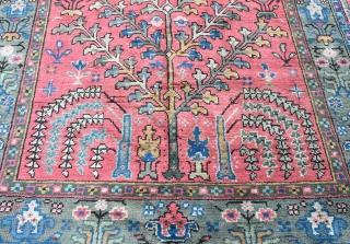 Old Turkish Ushak small carpet in full pile. Circa 1920. Approx. 300x200cm