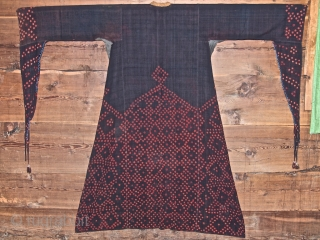 Syrian silk plangi dress, Hama area, XIX century, beautiful heavy, home made silk material. In good condition