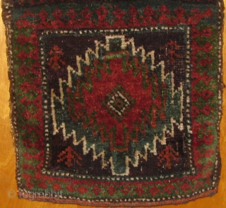 """Wonderful small Baluch chanteh, 19th century, in beautiful condition, with original ends and sides.  All dyes natural including desirable green.  Roughly 10"""" by 17"""".  Please ask for more photos"""