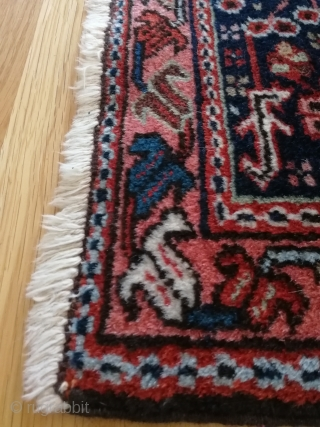 An antique, expressive rug in nice condition to furnish with. Appealing size, 190 x 150 cm.