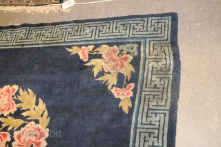 Baotao Chinese rug Circa 1920 Size: 1.50 x 1.82 Beautiful Simple antique Baotao Chinese Rug, little marked on the border but still very very pretty.
