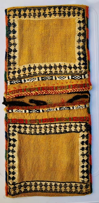 lovely Qashqai small khorjin 1880 circa all good colors and very good condition size 58x26cm
