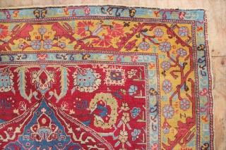 "20 the century Roumanian carpet of classic 'Kula Oushak' design. Nice colours, good condition. 6'7"" x 9'6"" / 200 x 290cm"