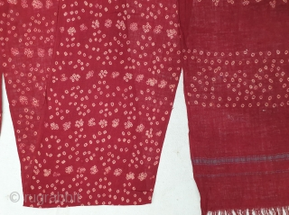 Muslin Turban Tie and Dye,Khadi-cotton,with Plain weave Edges.Natural Colour's,From Kutch,Gujarat, India.Size is 23x560cm (20191119_164445).