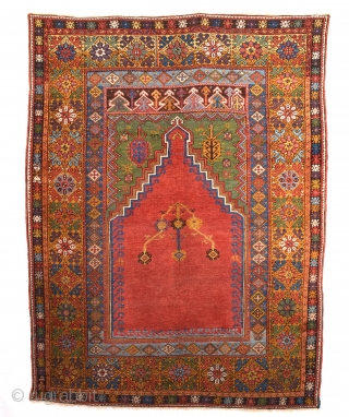 Late 18th Century Mudjur Rug Size 135 x 180 Cm.It's in Good Condition And Untouched One.All the knots are orijinal.