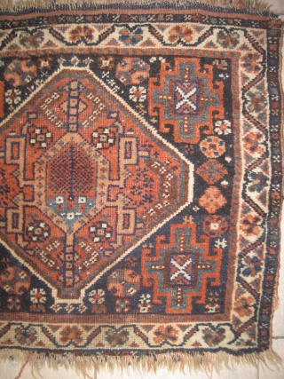 Shiraz Persian 1910  Antique, collector's item, vegetable dyes, the knots are hand spun wool, the warp and the weft threads are mixed with wool and goat hair, the up edge is finished 2,5  ...