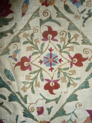 Lovely fine antique Kermina susani, large variety of colours including apricot, all done in fine chain stitch, beautiful variations in the motives, 229 x 158 cm, 90.1 x 62.2 inch. just in,  ...