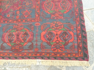 370 x 220  cm
