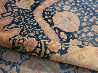 KASHAN Extra fine knotted persian piece. Velvelty wool. Good condition. All original size.  Beautiful SIZE  m. 4 by m.3. Original design and colors. Ask for more pictures or query about this KASHAN.  WARM REGARDS  from  ...